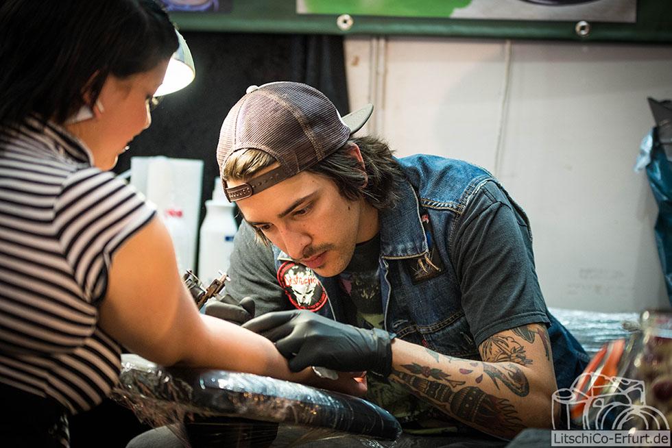 berlin tag und nacht caro tattoos